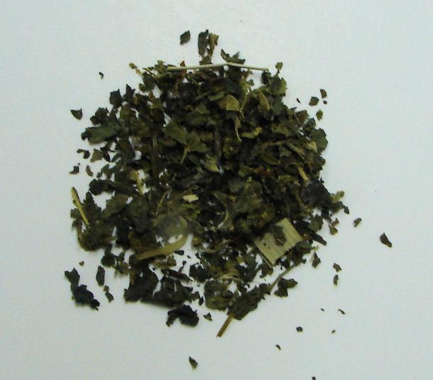 nettle leaf, organic,  (c/s)